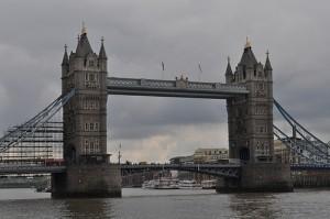 AZ apartments: london bridge